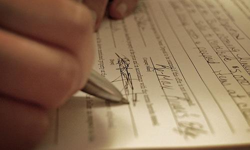 Hay un plazo para protocolizar el testamento ológrafo en Torrevieja